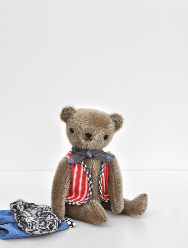 POLKADOTCLUB-PDCclassicBEAR_welldressed1a